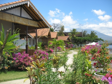 Kembali Beach Bungalows Frontside