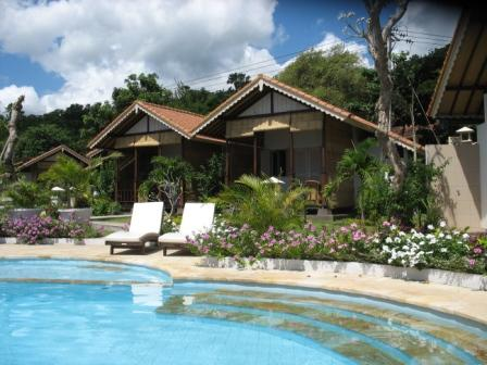 Kembali Beach Bungalows Beach Pool